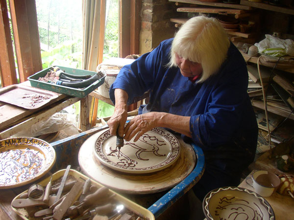 Merl Rural Crafts Today The Country Potter