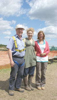 Alex Kingston (aka River Song) visits Silchester