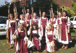 Stave dancers