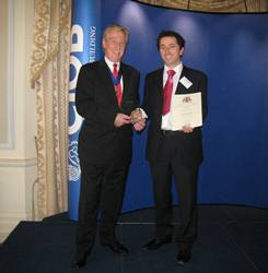 Dr Graeme Larsen receives CIOB award