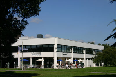 One of many cafes and bars on the 130 hectare Whiteknights campus at the University of Reading. © University of Reading