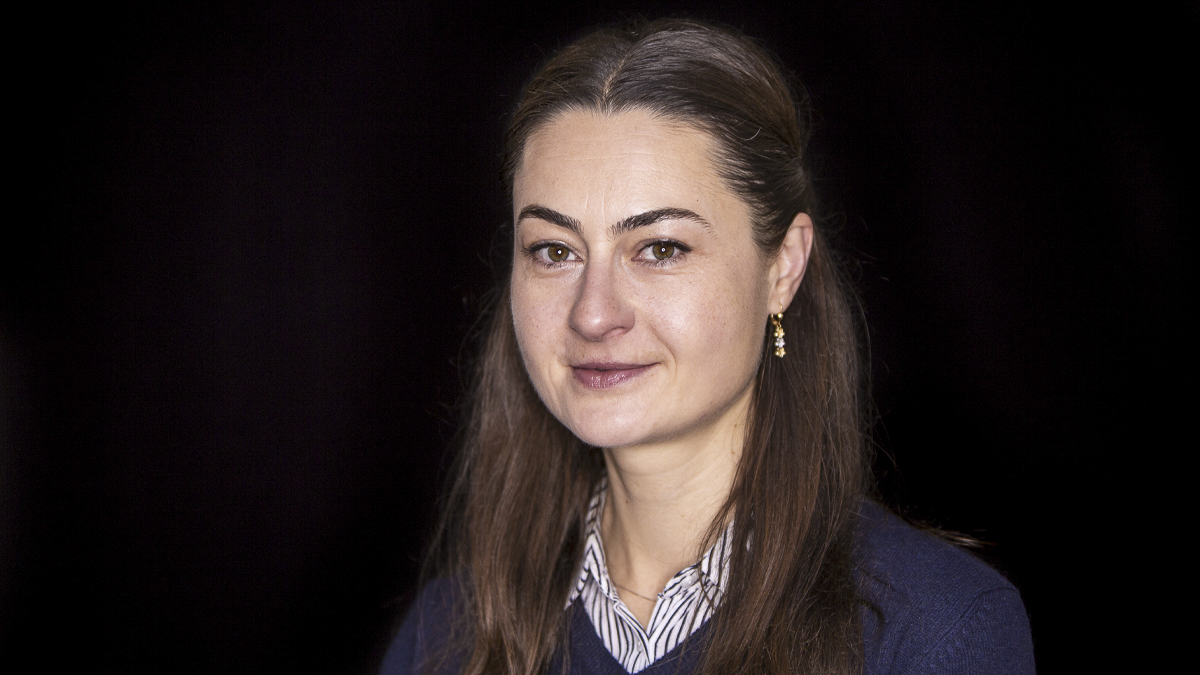 Portrait of Dr Laura Maftei, Professor of Digital Technologies in the School of Construction Management and Engineering