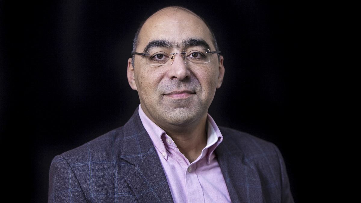 Portrait of Dr Medhi Shahrestani, Lecturer in the School of Construction Management and Engineering