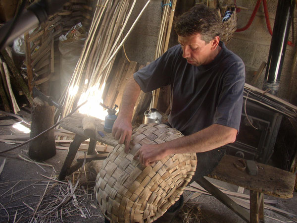 Merl Rural Crafts Today The Swill Basket Maker